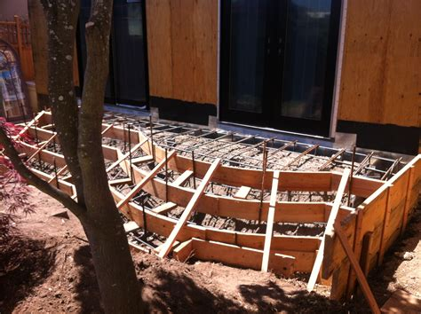 formwork for a curved concrete stair is done in one day