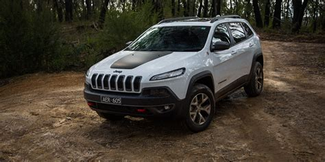 black jeep cherokee 2016 2016 jeep cherokee trailhawk review caradvice