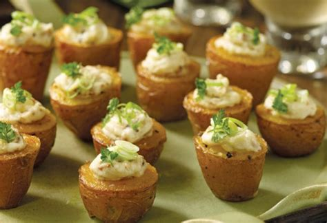 Heavy appetizer menus are great for both large and small parties. Appetizers- tiny twice baked potatoes | Eat and Sip in the City Blog Pics | Pinterest | Food