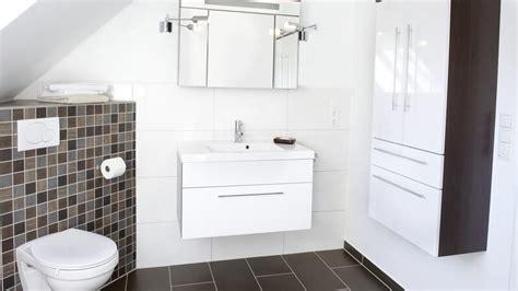 Badezimmer  Wohlfühlen Im Bad Durch Schöne Gestaltung Und