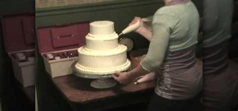 how to stack a cake how to stack a simple wedding cake 171 cake decorating wonderhowto