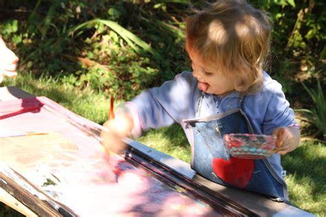 painting   mirror  outdoor art idea  kids