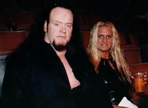 Wwe Wrestlers Profile: Death Man Undertaker's Family Photo ...