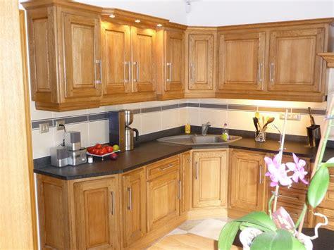 fabriquer plan de travail cuisine cuisine rustique en chêne massif clair cuisines liebart