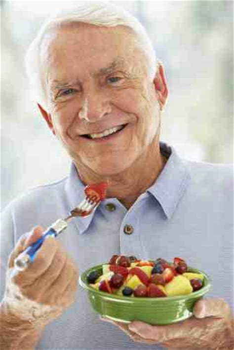 older people  eating  fruit  veg