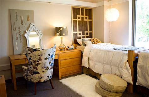 Ch. Segment-girl's Dorm Room