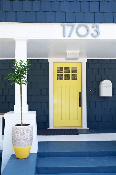 inspirasi warna cat pintu rumah tercantik  bisa ditiru