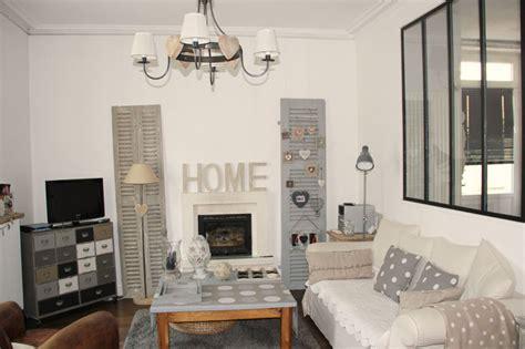 deco maison gris  blanc