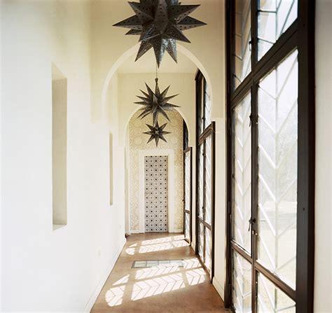Decorating Ideas Hallways Narrow by Decorating Ideas For Narrow Corridors And Hallways Upcyclist