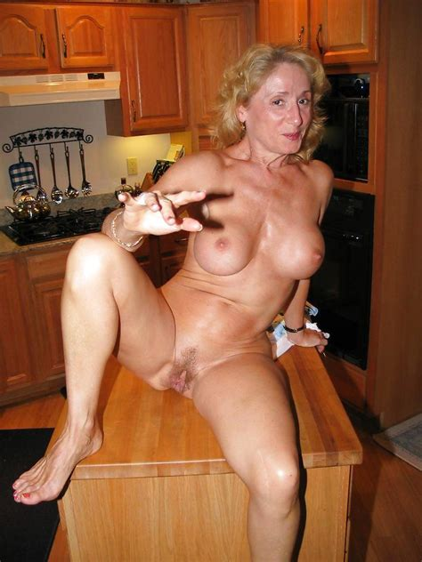 Just Milfs At Home Naked Pics