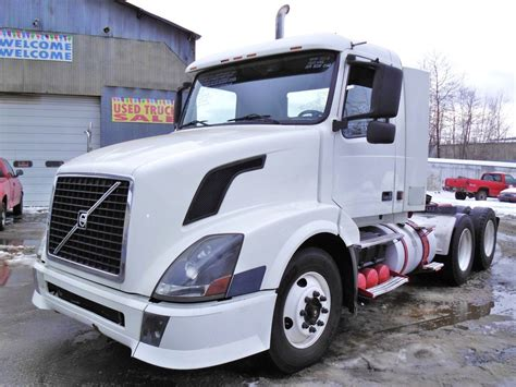 volvo vnlt tandem axle day cab tractor  sale