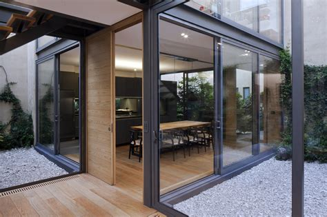 gallery  house   courtyards andres stebelski arquitecto