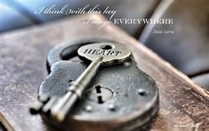 Lock Key Dalai Lama heart mood bokeh lock keys macro ...