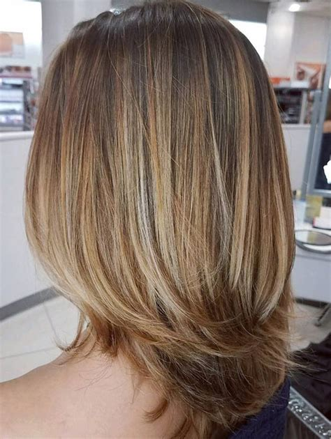 honey blonde hair color ideas    falling