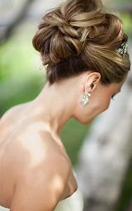 Stylish high bun hairstyles for your wedding day