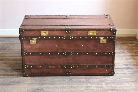 leather steamer trunk coffee table bespoke steamer trunk coffee table in leather leather
