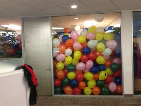 i submit my april fool s prank 2 000 balloons in my boss