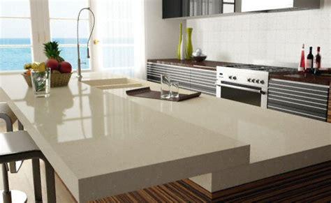 assemblage plan de travail cuisine cuisine bar moderne clair en quartz