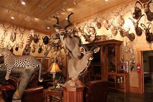 Mike Becky Simpson Conroetaxidermy