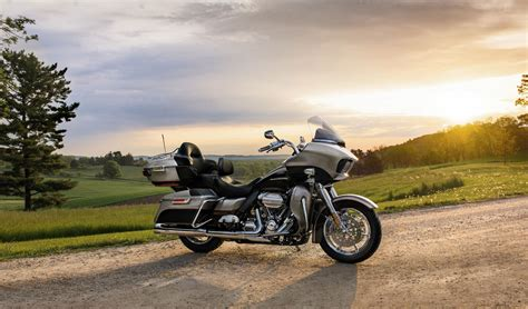 Harley Davidson Road Glide Ultra Wallpaper by 2017 Harley Davidson Road Glide Ultra Hd Wallpaper