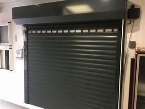 pose de porte de garage alu enroulable martigues et With porte de garage enroulable avec porte a recouvrement interieure