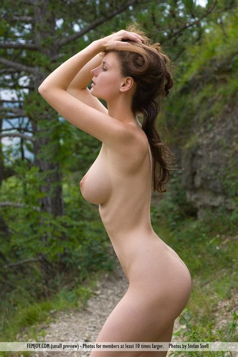 Euro Babes Db Hot Babe Naked On Forest Path