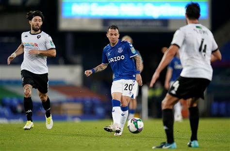 Everton winger Bernard wants out of Everton in January