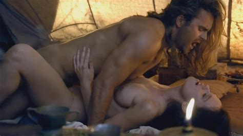 Gwendoline Taylor Nue Dans Spartacus Vengeance