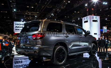 toyota  toyota sequoia  reportedly coming