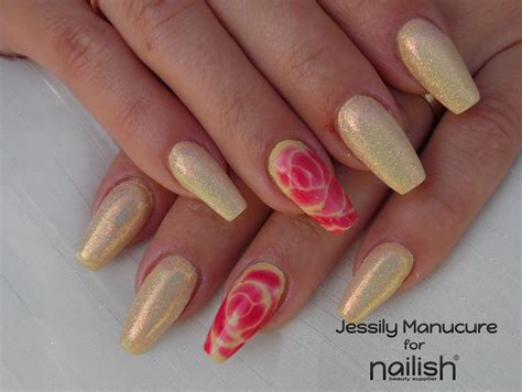 le pour ongles en gel ongle en gel quot forme coffin astuce pour un nail facile avec nailish fr quot