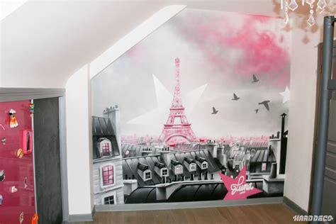 fresque murale chambre fille fresque décorative sur le theme des toits de
