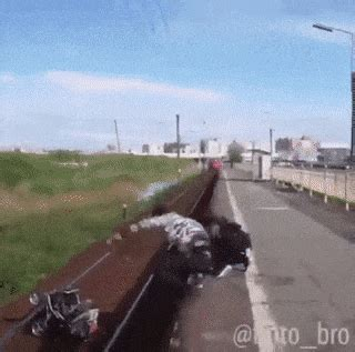 My home built, dumb & dumber mini bike. Sign in | Funny gif, Reddit funny, Funny pictures