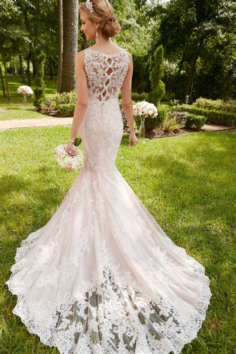 stella york  scalloped lace keyhole  wedding