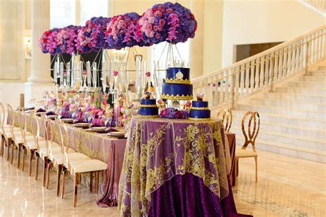 ultra violet wedding ideas pantone color   year