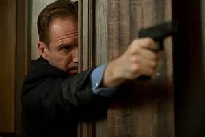 James Bond Skyfall : sony eyeing late 2014 release date for james bond 24 skyfall trailer to debut with men in black ~ Medecine-chirurgie-esthetiques.com Avis de Voitures