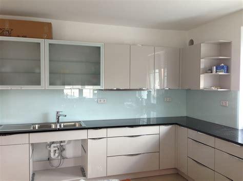 glasfliesen küche unglaubliche designideen glasfliesen küche küchen home design ideen