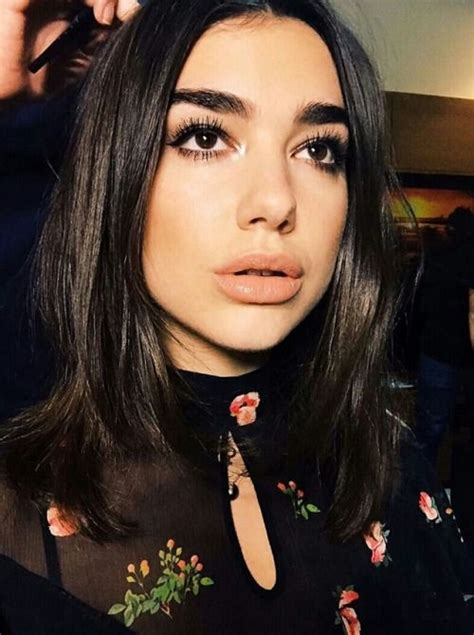 Pin by Pauly on Dua Lipa in 2020 | Beauty, Dua, Makeup looks