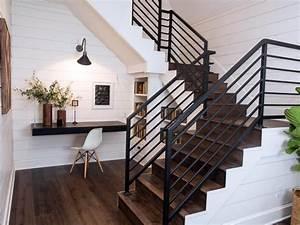Fixer Upper Möbel : fixer upper a very special house in the country traumhaus pinterest treppe regal und wohnen ~ Markanthonyermac.com Haus und Dekorationen