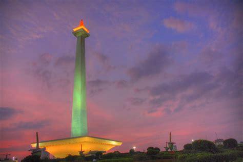 national monument tugu monas jakarta indonesia