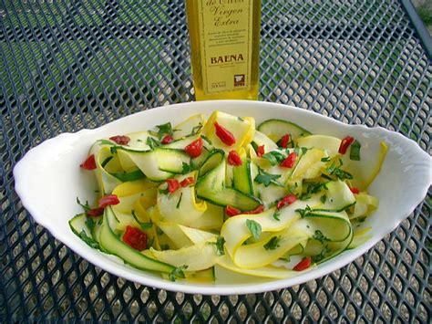 ustensiles de cuisine vocabulaire salade de courgettes multicolores la cuisine de mercotte