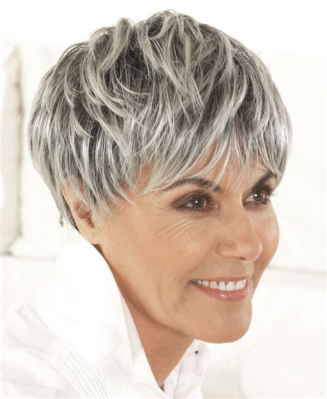 Modu00e8le coiffure cheveux courts femme 60 ans