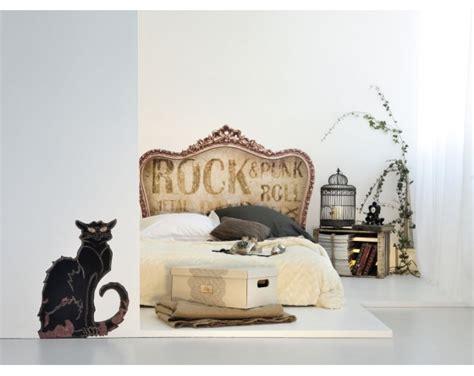 chambre des m騁ier tête de lit vintage retro rock version sticker et bientôt textile pour chambre adolescent et adulte