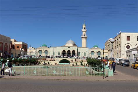 File:Asmara, moschea 01.JPG - Wikipedia