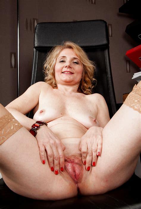 Madchen Und Frauen Machen Ihre Beine Breit Und Zeigen Alles 16 Pics Xhamster
