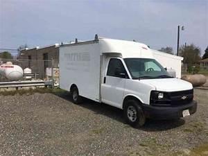 Chevrolet Express Box Truck  2005    Van    Box Trucks