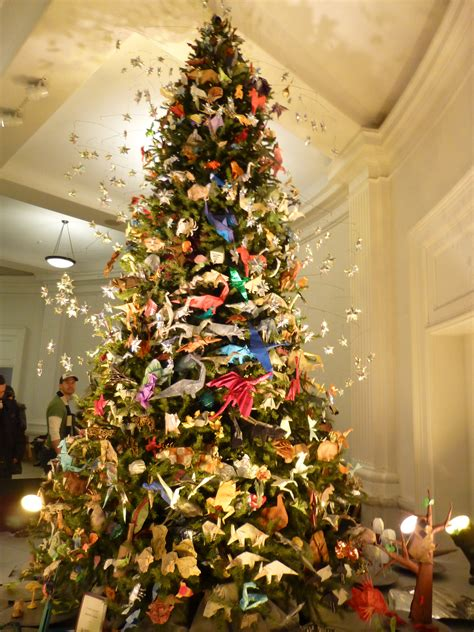 origami christmas tree at the american museum of natural