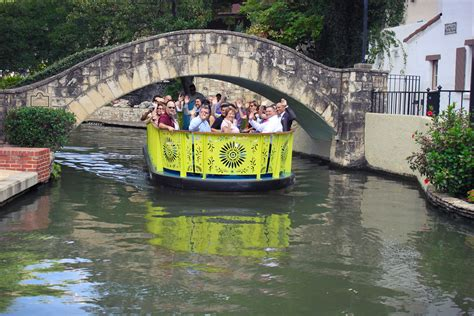 San Antonio Riverwalk Boat Ride by City Unveils New Design For River Walk Barges The Daily