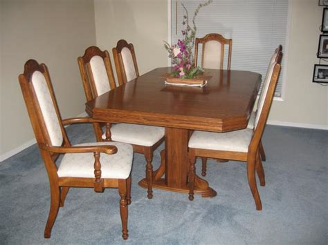 Solid Oak Dining Room Table With China Cabinet And Hutch
