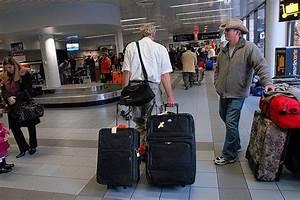 Leichter Koffer Für Flugreisen : mit dem zweiten fliegt man teurer neue westf lische ~ Kayakingforconservation.com Haus und Dekorationen