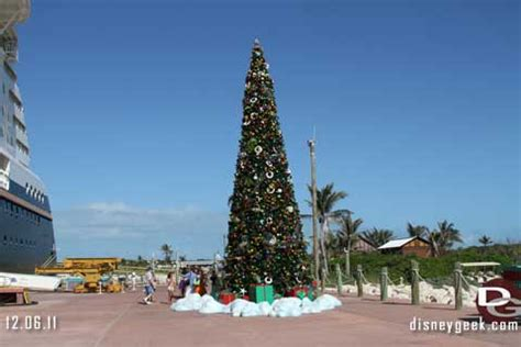 bahamas christmas decorations salute to all things disney but mostly disneyland